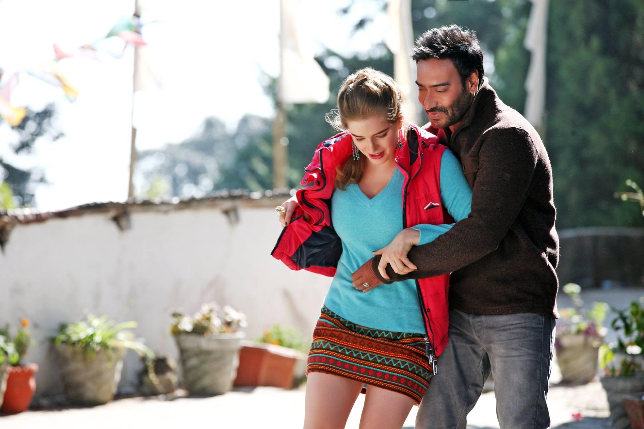ajay devgan ki sabse pehli film konsi hai ? Ajay Devgan hero kaise bane ?