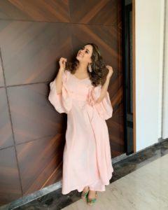 सुनंदा शर्माकी जीवनी | Sunanda Sharma Biography in Hindi !!