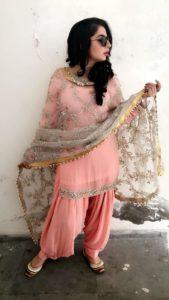 जैस्मीन सैंडलस जीवनी, इतिहास, शिक्षा, परिवार, Jasmine Sandlas Biography in Hindi !!